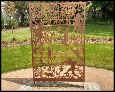 A Memorial screen and small garden are located in Princes Park, 5 Oakfields Rd, London NW11 0JA.